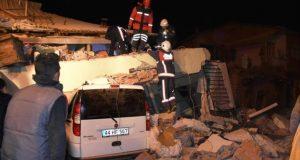 قتلى و جرحى في زلزال قوي ضرب تركيا