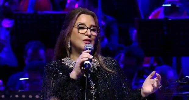 """عزيزة جلال تعود بأغنية جديدة بعنوان """"فرق كبير"""""""