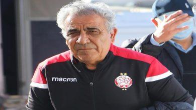 صورة على غرار جماهير الوداد.. مشجع تونسي يهاجم البنزرتي ويحمله مسؤولية الإقصاء من الأبطال- فيديو
