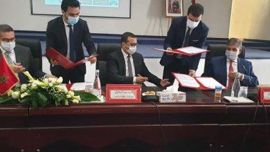 صورة التوقيع على اتفاقية للنهوض بالتشغيل في جهة سوس ماسة