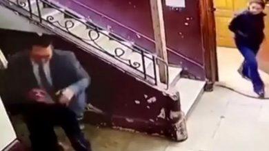 صورة فيديو لرجل يتحرش بطفلة يثير ضجة في مصر -فيديو