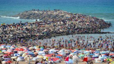صورة استعدادا لموسم الصيف.. مدينة مغربية تطلق حملات لتنظيف شواطئها لاستقبال المصطافين