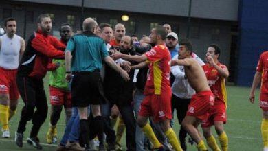 صورة اعتداء على حكم يجر لاعبَيْن إلى السجن