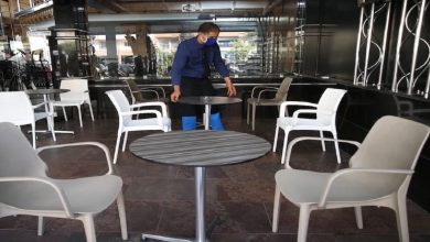 """صورة بسبب ضبابية الأفق.. أرباب المقاهي والمطاعم يهددون بعدم الامثتال لقرار """"الإغلاق الليلي"""""""