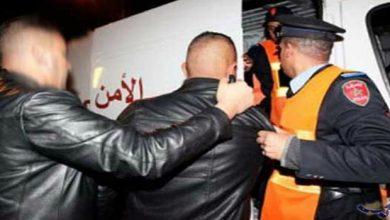 صورة الحقوا خسائر مادية كبيرة.. أمن البيضاء ينجح في توقيف محسوبين على فصائل أندية كرة القدم