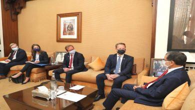 صورة رئيس الحكومة يستقبل وزير الشؤون الخارجية بمملكة الدنمارك