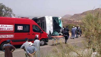 صورة قبيل العيد.. انقلاب حافلة لنقل المسافرين نواحي أكادير