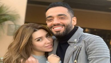 صورة بعد معايدته الغريبة لها.. رامي جمال يعتذر لزوجته